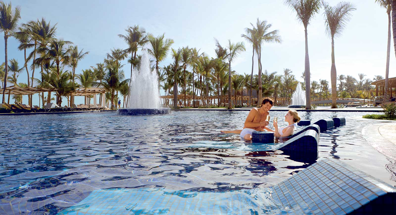 331-swimming-pool-hotel-barcelo-bavaro-palace-deluxe_tcm7-5043