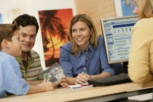 El coronavirus afecta los viajes y destaca los beneficios de reservar con un agente de viajes
